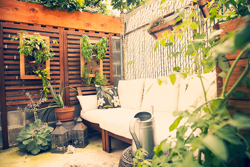 My Tiny Secret Garden Small Space Solutions For An Outdoor Retreat Smoorelovin